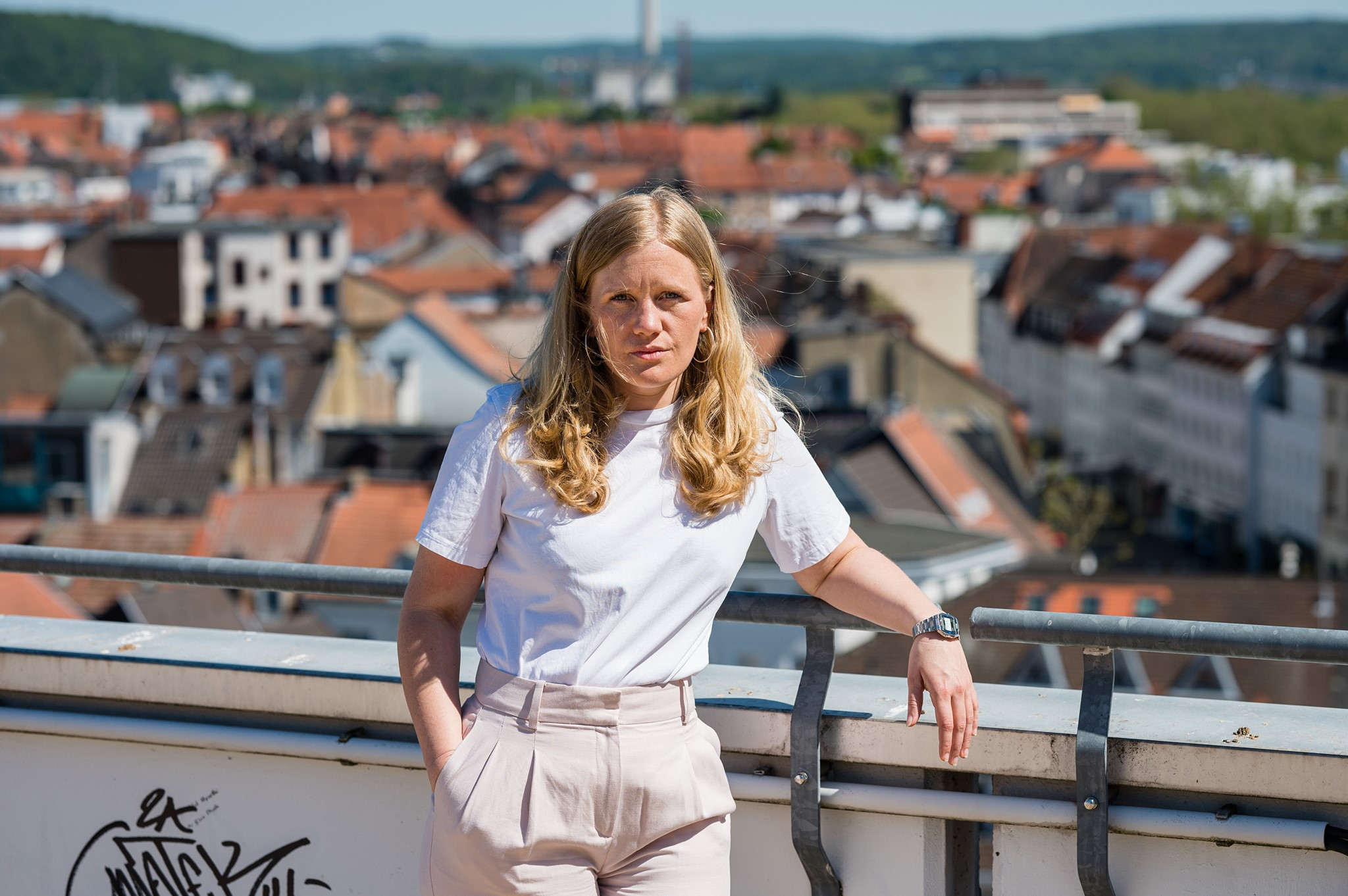 Josephine Ortleb auf Dach